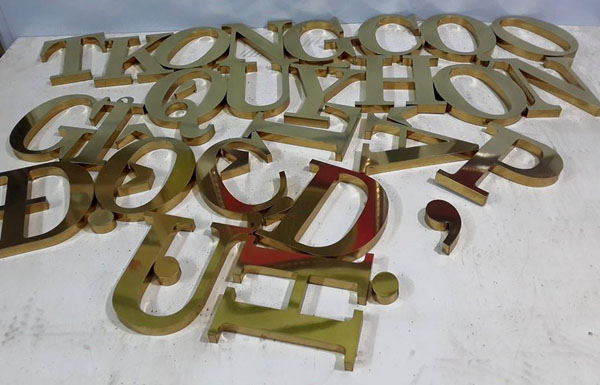 Biển chữ inox gương
