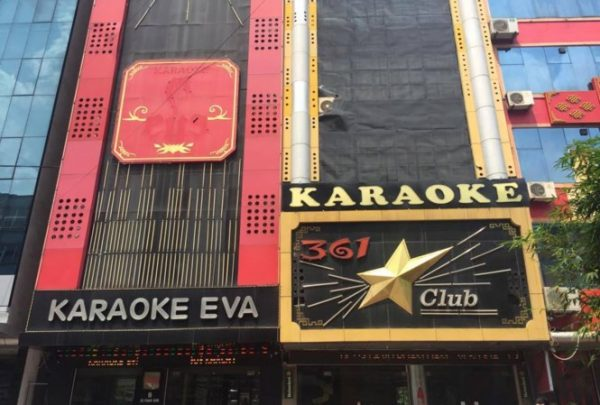 Làm biển quảng cáo quán bar