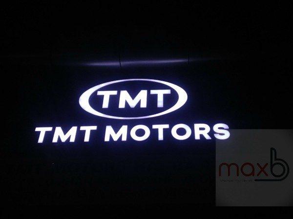 Biển quảng cáo đại lý oto TMT Motors
